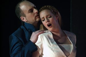 Theater Würzburg/Faust mit Anja Kaesmacher